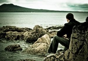 нежный мужчина и море