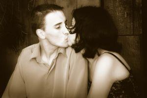 Поцелуй по французки