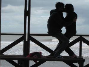 Поцелуй любви на море