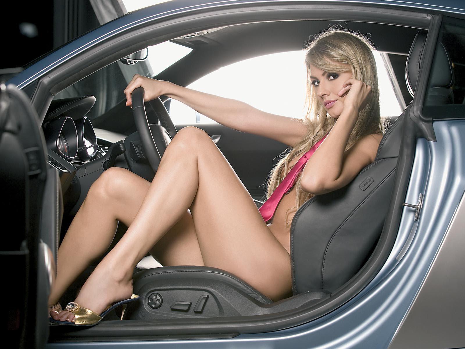 секс женщиной в авто