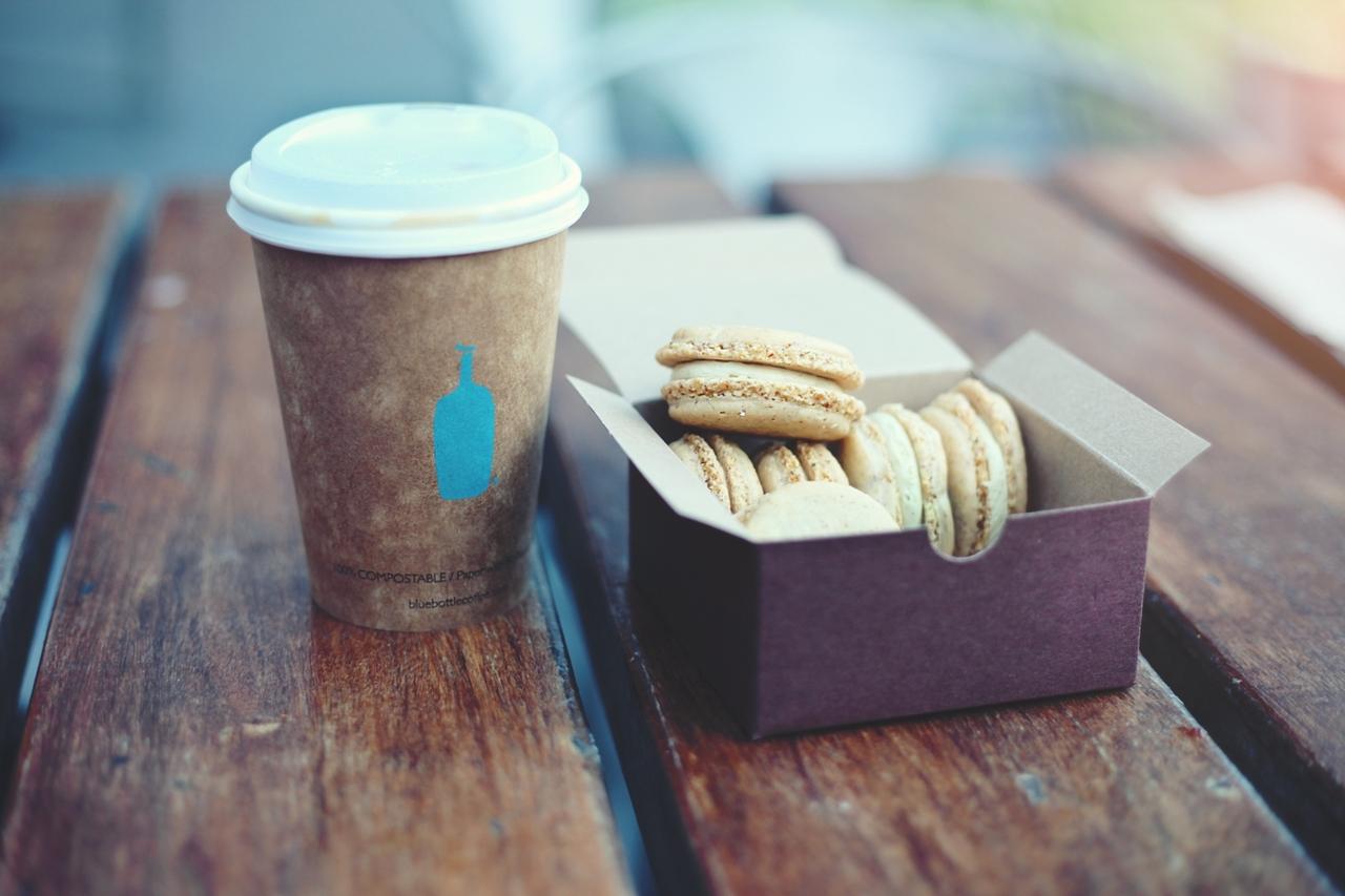Познакомиться с парнем в кафе – стратегия поведения